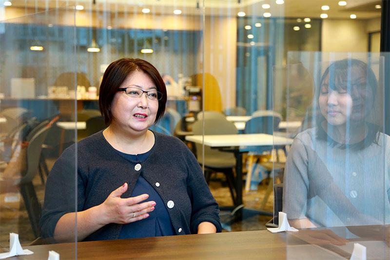インキュベーション施設を使う-起業ノカタチ-女性2名